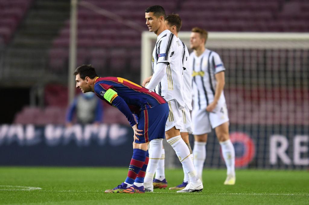 Ronaldo 'nổ tung' Nou Camp, xát muối vào Messi và Barca