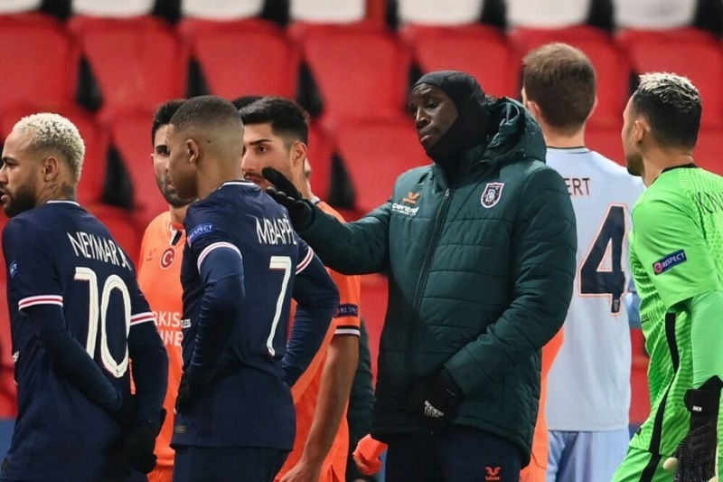 Cầu thủ PSG và Istanbul bỏ trận đấu giữa chừng, UEFA điều tra gấp