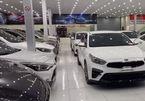 Thị trường ô tô cũ cuối năm tăng ưu đãi, gồng mình giữ giá