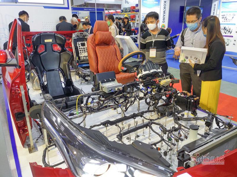 25 năm, vì sao nội địa hóa ô tô Việt Nam vẫn thấp, giá vẫn cao?