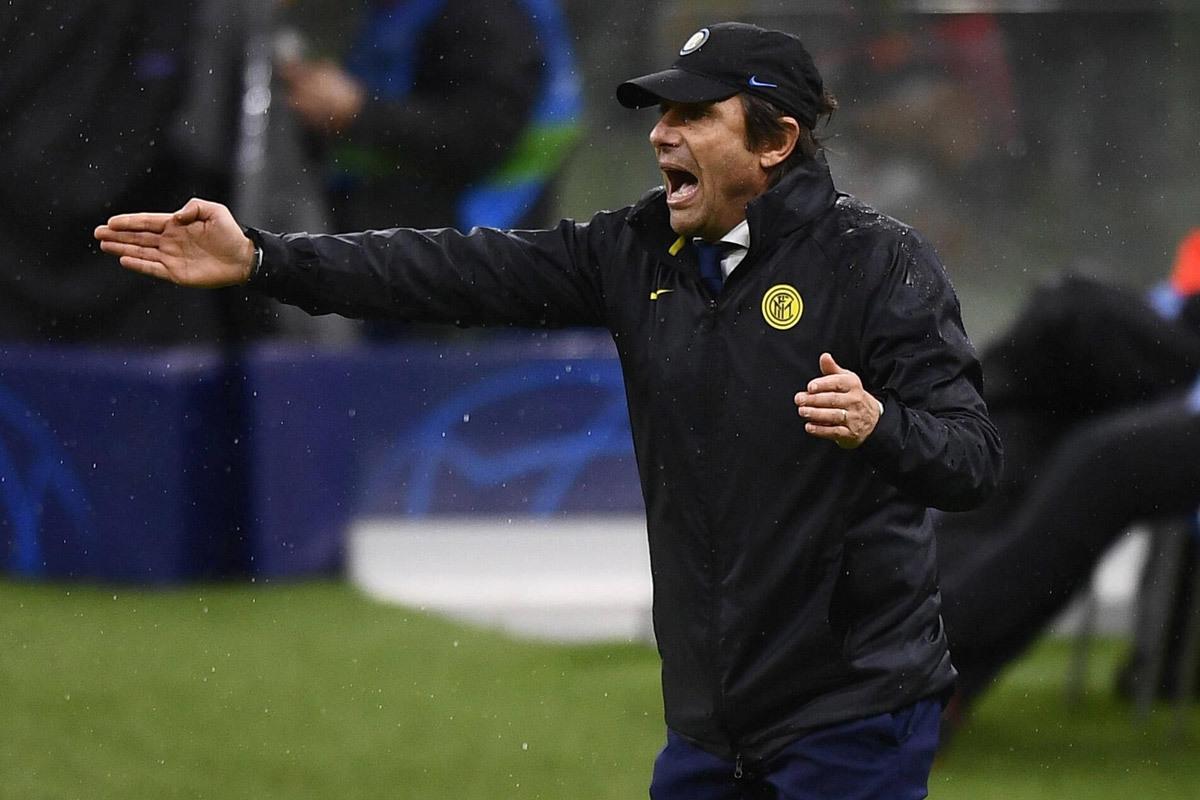 Inter văng khỏi C1, Conte đổ lỗi trọng tài