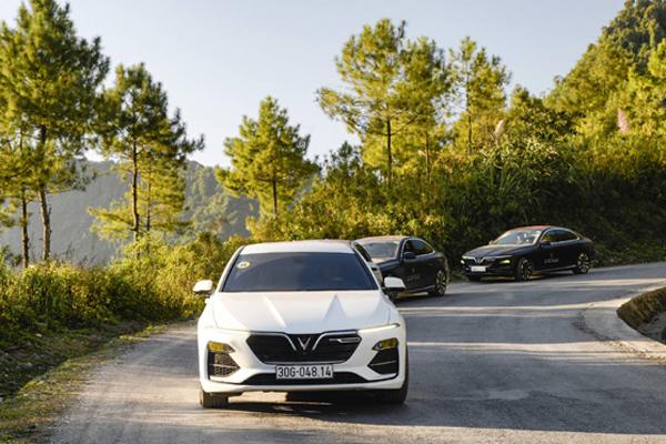 Thị trường ô tô sôi động tháng cuối năm