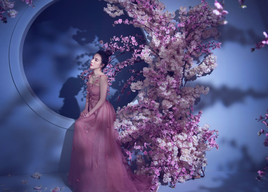 Hoa hậu áo dài Hoàng Dung tiết lộ bí quyết trẻ đẹp
