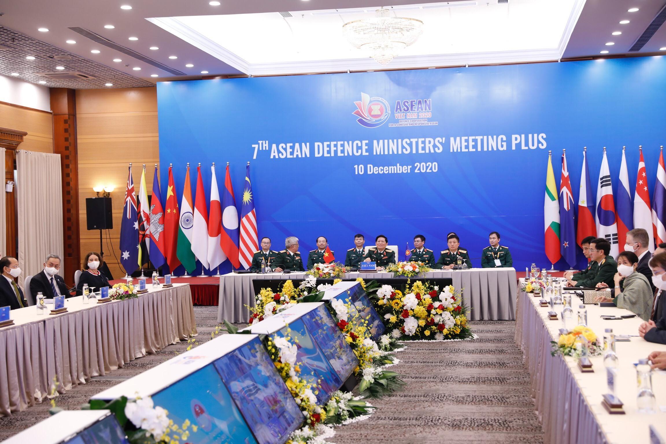 Bộ trưởng Quốc phòng: Chung tay để ứng phó với thách thức an ninh