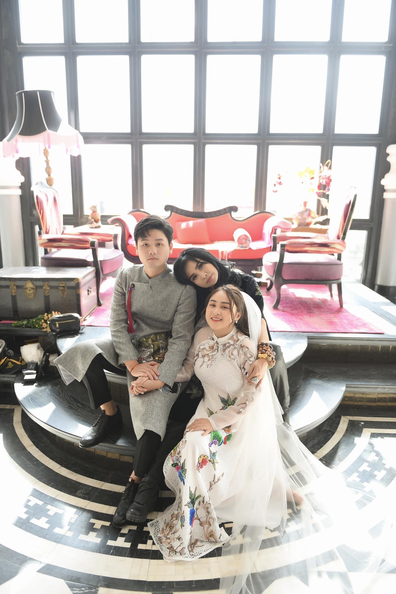 Diva Thanh Lam đăng hình con gái Thiện Thanh chụp ảnh cưới