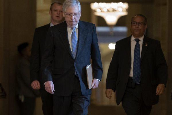 Thế khó của đảng Cộng hòa khi ông Trump quyết không lùi bước