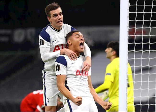 Rửa hận Antwerp, Tottenham vào vòng 1/16 với ngôi đầu