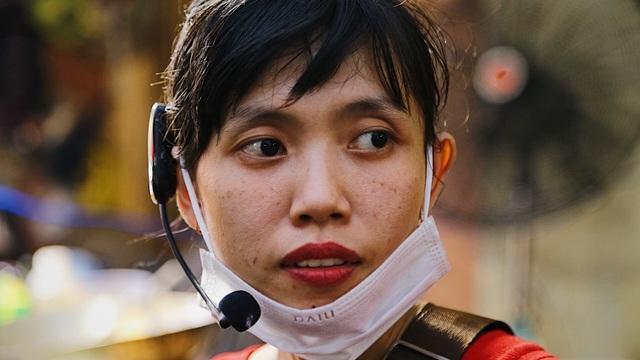Chạy xe ôm rồi lập tiệm hải sản, cô gái kiếm chục triệu đồng mỗi tháng