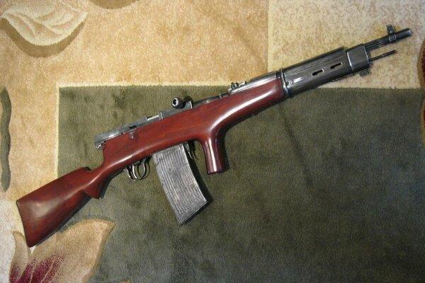 Sự thật khẩu súng trường tự động đầu tiên trên thế giới