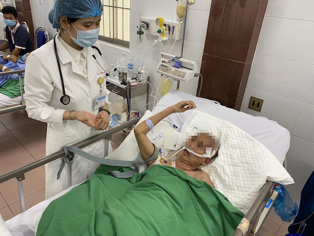 Đột ngột lên cơn đau đầu dữ đội, thanh niên 27 tuổi nguy kịch do đột quỵ