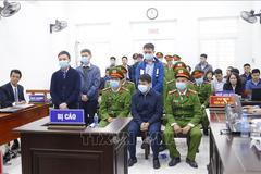 Thẩm phán Trương Việt Toàn nói về cái bắt tay với ông Nguyễn Đức Chung