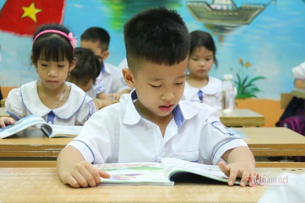 Cử tri đề nghị Bộ GD-ĐT có biện pháp hạn chế dạy thêm, học thêm
