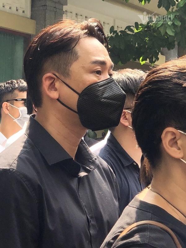 NSND Hồng Vân, Quang Lê, Trấn Thành và nhiều sao Việt đến viếng Chí Tài