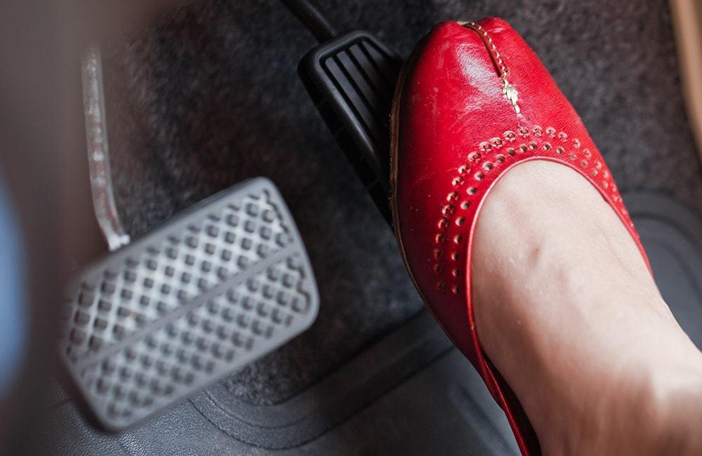 Người Mỹ khuyên cách đơn giản chống nhầm chân ga