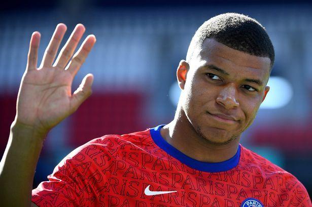 Mbappe thổ lộ 'thích' MU, Bruno Fernandes ngang Ronaldo