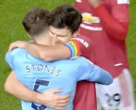 MU 'ăn chửi' vì hòa nhạt mà vui như thắng derby Manchester
