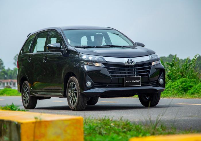 """Top ô tô ế nhất tháng 11: Toyota, Isuzu, Honda chia nhau """"chiếm sóng"""""""