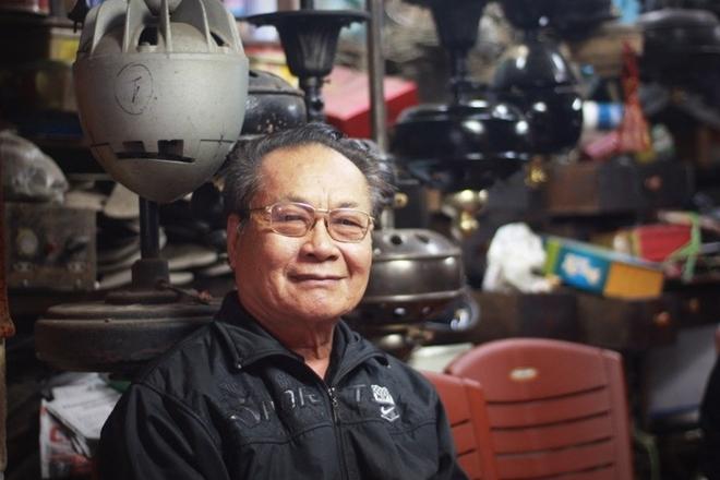 Người giữ kho quạt cổ lớn nhất Việt Nam