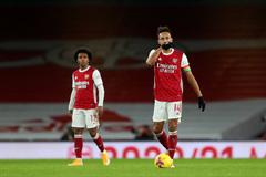 Aubameyang phản lưới, Arsenal thua bạc nhược Burnley