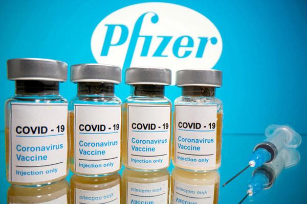 Mỹ duyệt tiêm vắc-xin cho dân, Đức áp phong tỏa toàn quốc vì Covid-19