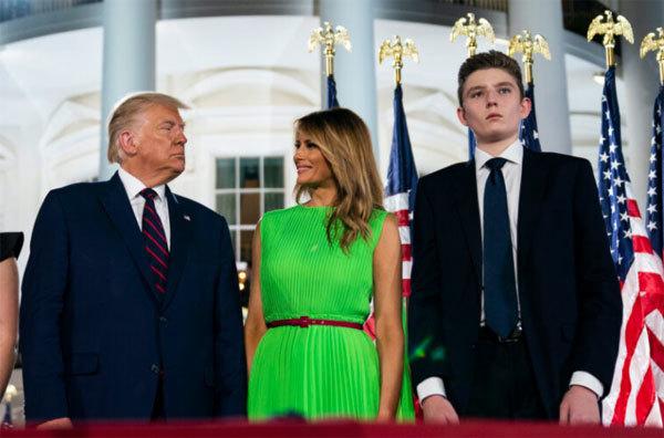 Gia đình ông Trump chuẩn bị cho cuộc sống hậu Nhà Trắng thumbnail