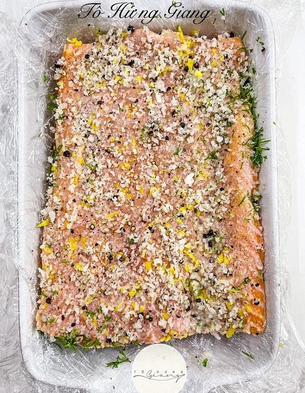 Cá hồi rang muối, món ăn độc đáo lạ miệng cho bữa cơm gia đình
