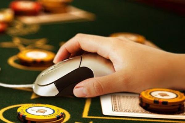 Đánh bạc qua game có bị khởi tố không?