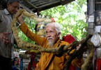 Hình ảnh cụ ông người Việt tóc dài 5 mét gây sửng sốt thế giới