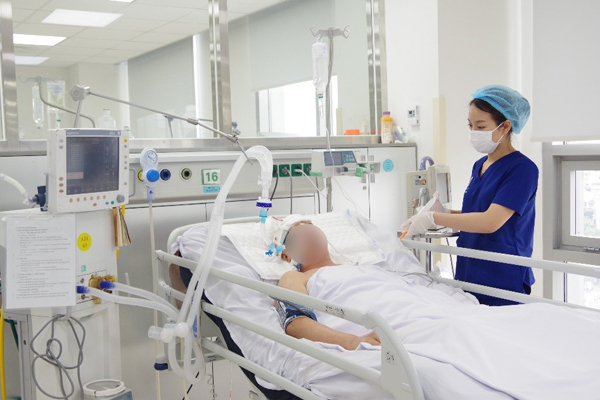 Nam thanh niên bị đột quỵ sau cơn đau đầu dữ dội
