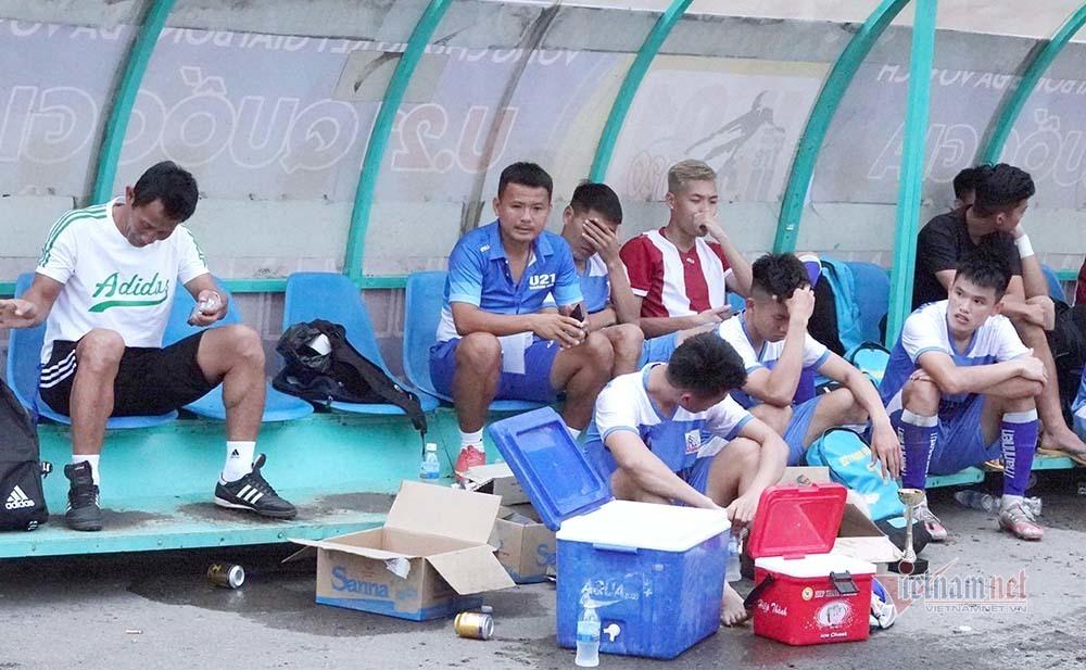 Siêu kịch tính phút bù giờ ở giải U21 quốc gia