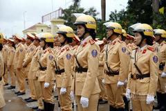 Đội nữ CSGT tham gia bảo vệ an toàn giao thông dịp Đại hội Đảng