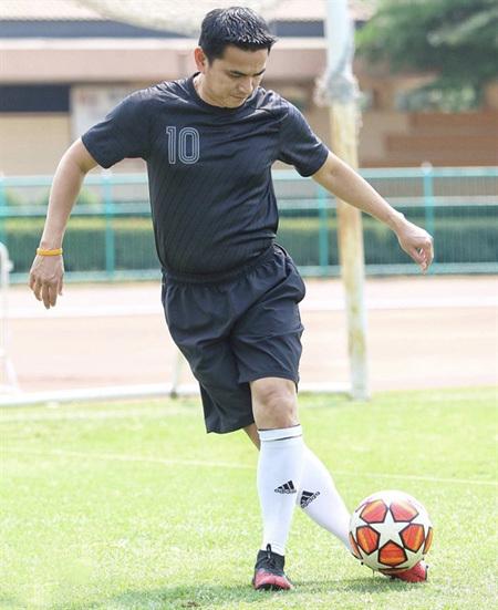 coach Kiatisuk Senamuang,V-League 1,vietnam football