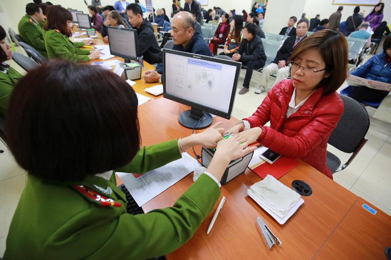 Hà Nội yêu cầu huy động lực lượng cấp căn cước cho 2,5 triệu người