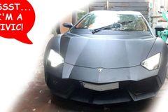 """Honda Civic """"hô biến"""" thành siêu xe Lamborghini Aventador như thật"""