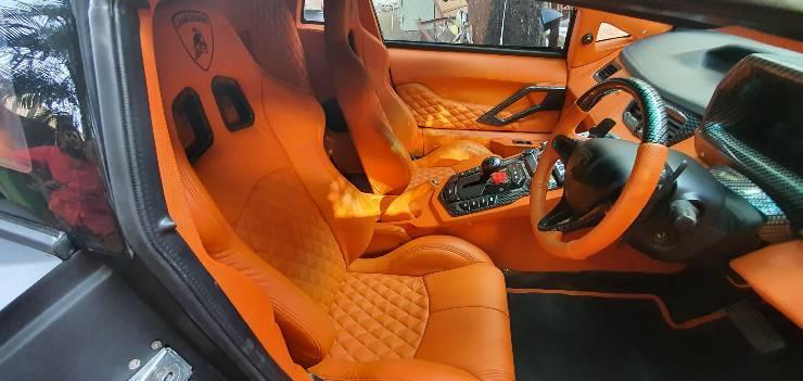 Honda Civic 'hô biến' thành siêu xe Lamborghini Aventador như thật