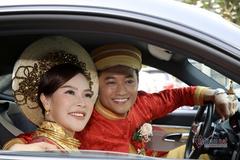 Diễn viên Quý Bình: 'Cưới được vợ đẹp, tài giỏi là may mắn của tôi'