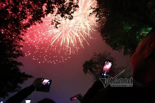 Hà Nội trình Thủ tướng chủ trương bắn pháo hoa dịp Tết Dương lịch thumbnail
