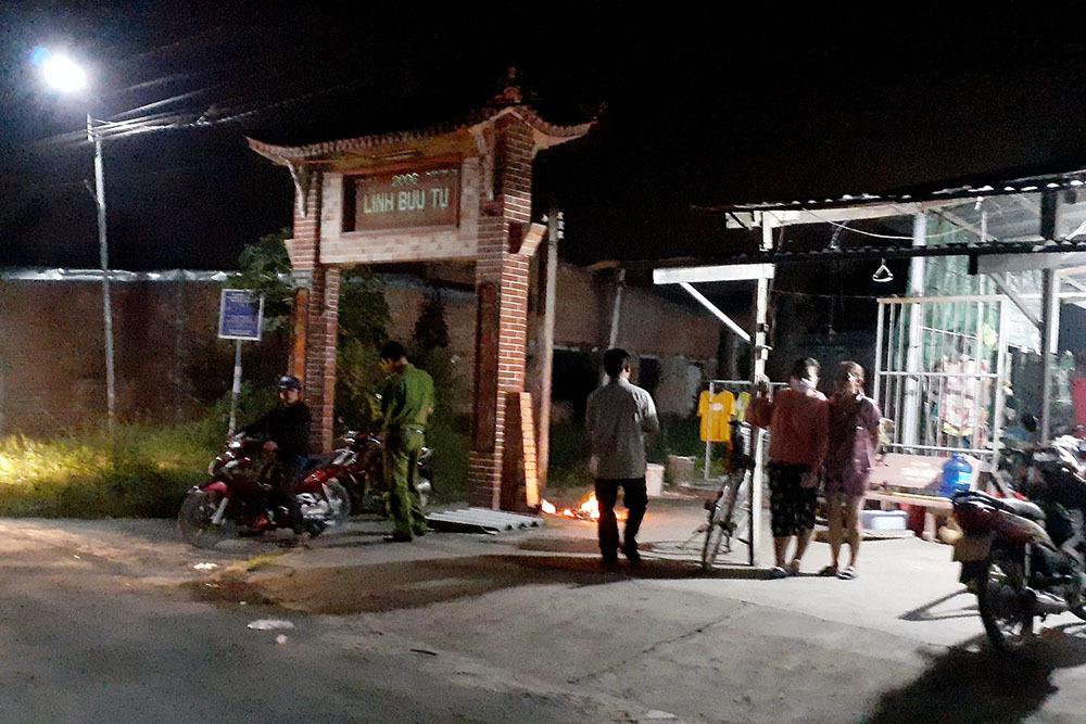 Cự cãi trước cổng chùa, nam thanh niên bị đánh chết