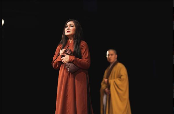 NSND Lệ Ngọc: 40 năm gìn giữ tinh hoa nghệ thuật sân khấu Việt