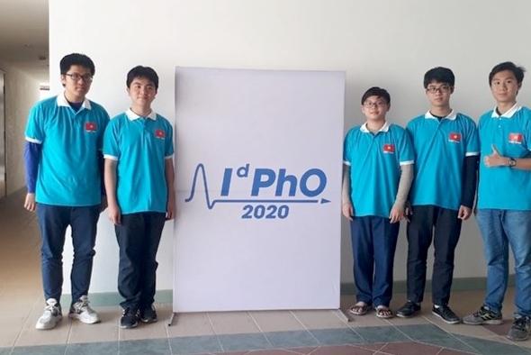 5 học sinh Việt Nam giành huy chương Vật lý quốc tế 2020