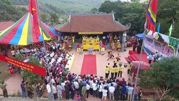 quang ninh travel,vietnam pagodas