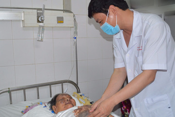 Ninh Bình: Tập huấn nâng cao kỹ năng giao tiếp ứng xử cho nhân viên y tế