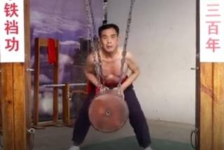 Võ sư Trung Quốc 'rèn' hạ bộ cứng như sắt