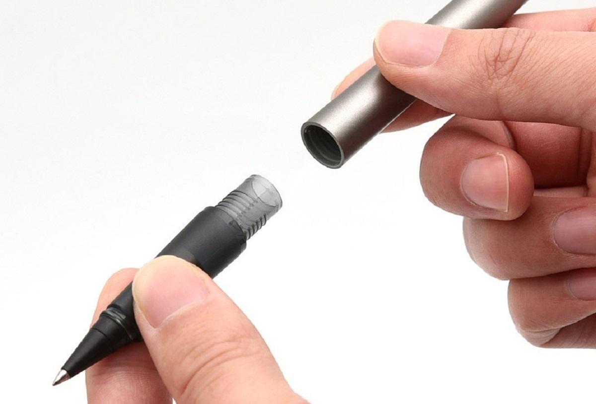 Người đàn ông bị nửa chiếc bút bi lọt sâu vào niệu đạo