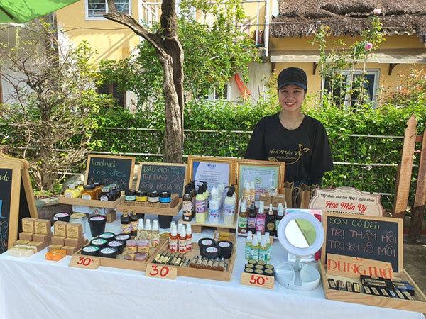 Tan Thanh Flea Market,International Year End Festival