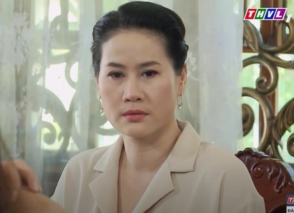 'Vua bánh mì' tập 74: Hữu Nguyện chịu đòn để bảo vệ bà Dung