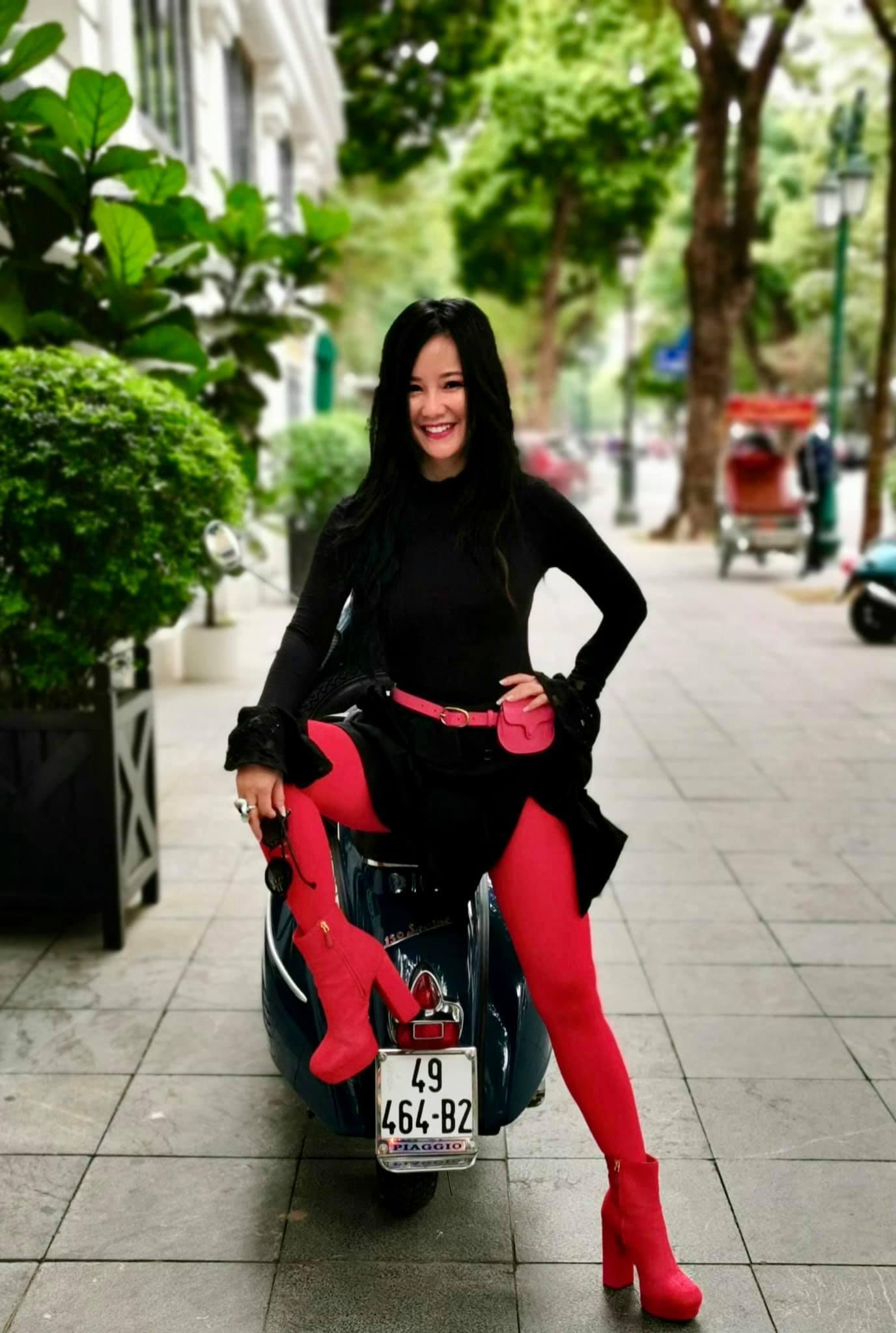Diva Hồng Nhung tuổi 50 vẫn trẻ trung, ấn tượng thumbnail