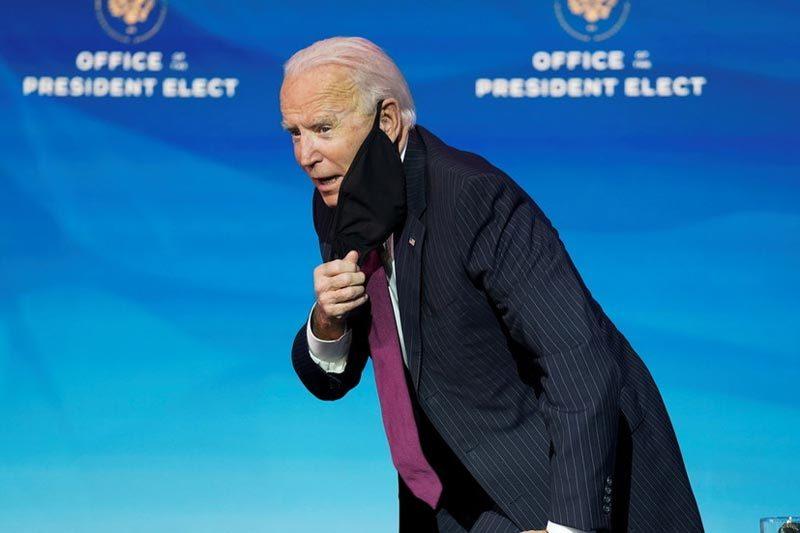 Nhà báo tháp tùng ông Biden mắc Covid-19