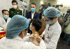 Bắt đầu tiêm chủng thí điểm Covid-19 ở Việt Nam