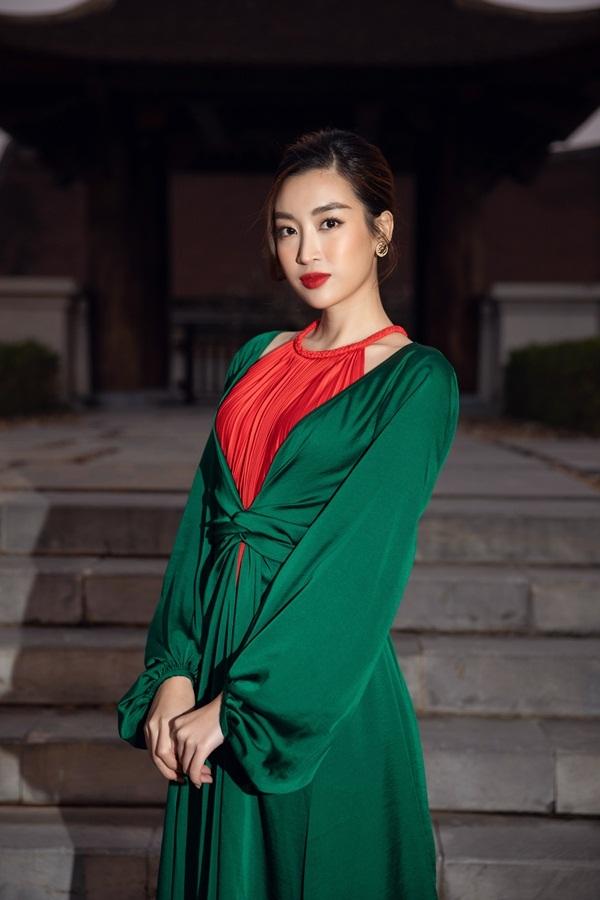 Thanh Hằng làm vedette, dàn mỹ nhân đình đám dự show Adrian Anh Tuấn